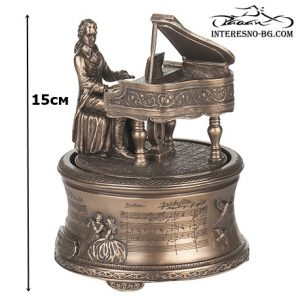 Музикална статуетка