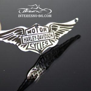 Орнамент Harley Davidson-един чудесен подарък за любителите на моторите и рок музиката.