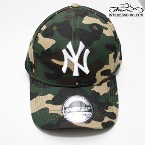 Маскировъчна шапка с козирка NEW YORK YANKEES