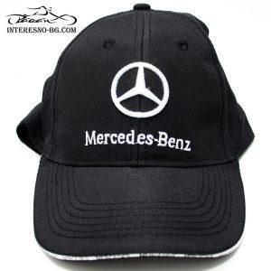 Шапка с козирка Mercedes Benz.