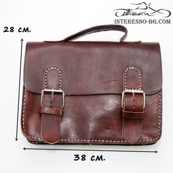 Кафява бизнес чанта от естествена кожа.