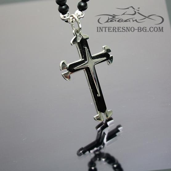 Елегантно колие от черен оникс със Кръст от стомана